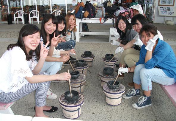 okinawa gala aoiumi 塩づくり体験 学生1_592_406