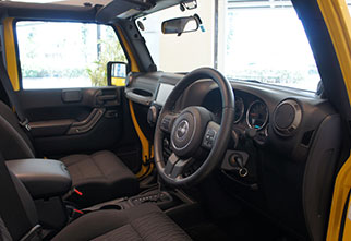 celeb_jeep_yellow2