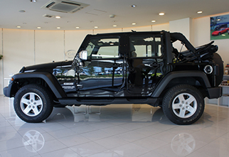 celeb_jeep_unlimited_black2