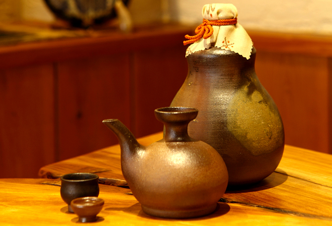 「Karakara」的泡盛用酒瓶