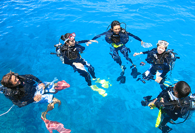 Once in a lifetime experience! Discover Scuba Diving under one of the world's best ocean.