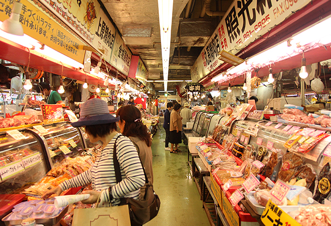 """A Place Where You Can Experience the ""Real Okinawa"", the First Makishi Public Market"