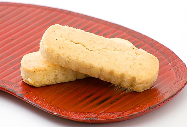 """沖繩人氣土產""""金色燒菓子""""「金楚糕」"""