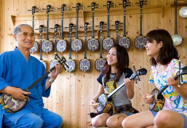 伴隨著沖繩的喜怒哀樂「心之樂器」三線