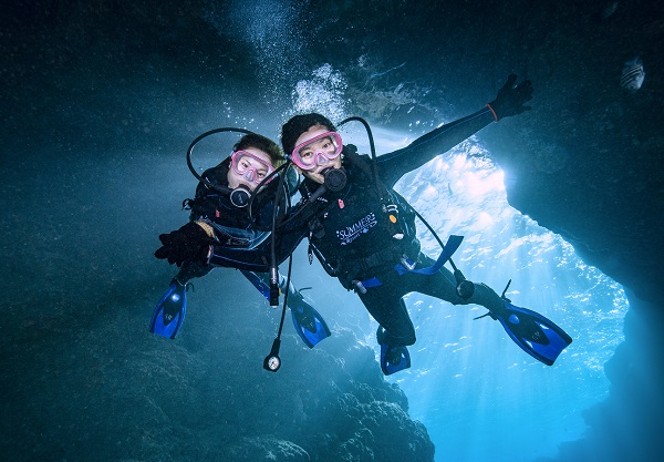 Summer diving1-140